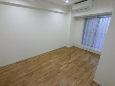 6.2帖の洋室は主寝室にいかがでしょうか。