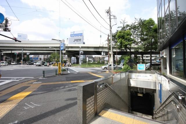 駅から徒歩2分!!