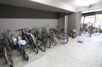 【駐車場】ディナスティ福島