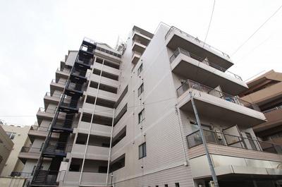 横浜駅徒歩10分のマンションです。