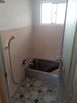 【浴室】鳥取市東町3丁目 中古戸建て