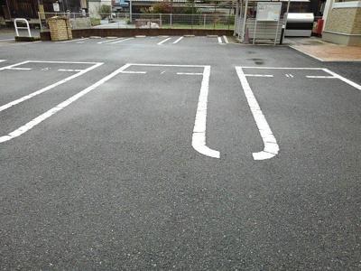 【駐車場】エリーゼ