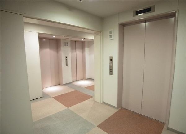 パークシティ杉並:エレベーターは複数あるので快適に移動できます!