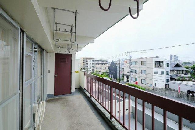 武蔵野ハイム:南東向きワイドバルコニーからの眺望画像です!