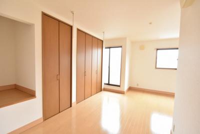 2階12帖の洋室