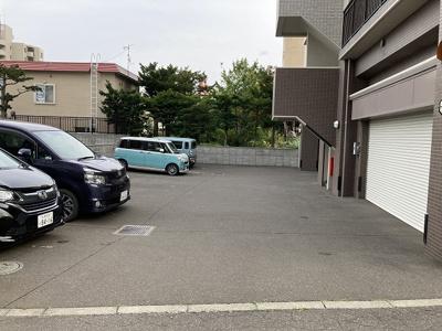 駐車場はロードヒーティング