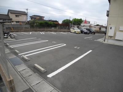 【駐車場】スマイリィハウス愛野