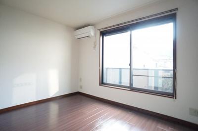 トイレ(上部棚有)※参考写真1階の同タイプのお部屋の写真です。