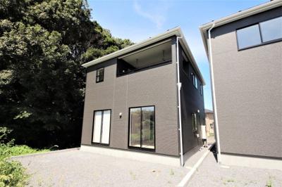 周囲に大きな建物がないため、日当たり、眺望、風通しは良いお家です。