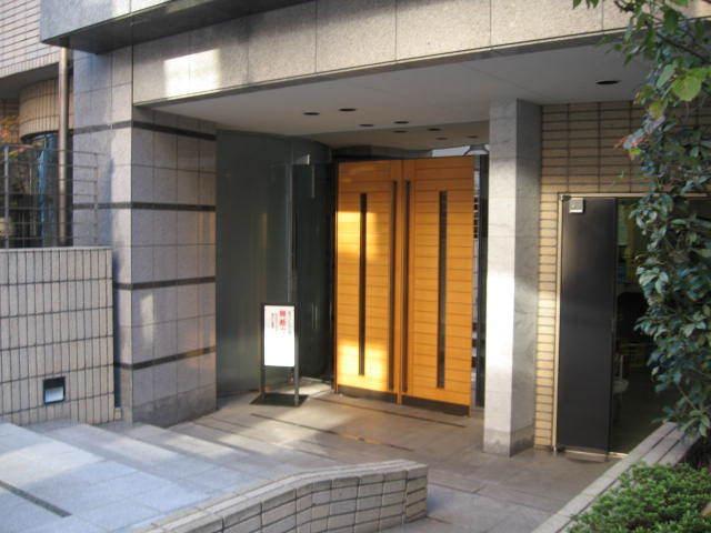 【エントランス】アクシルコート上野