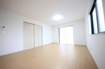 1号棟 ゆったりとした居間です