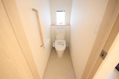 1号棟 落ち着いた色調のトイレです