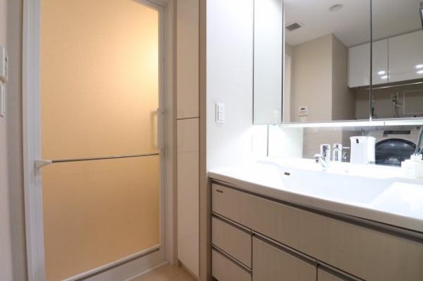 【洗面室】清潔感のある洗面スペースです!