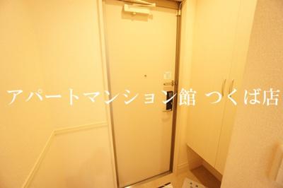 【玄関】ラヴィーヌみどりの