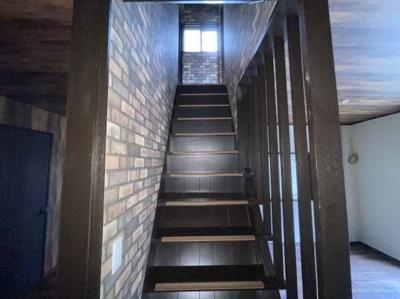 階段ございます。