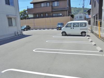 【駐車場】ブルーノ千代田