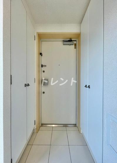 【玄関】エルヴィータ代々木