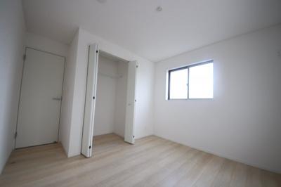 1号棟 広々とした洋室です