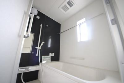1号棟 落ち着いた空間のお風呂です