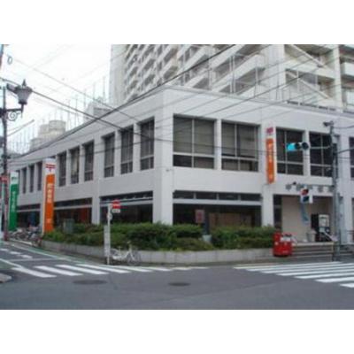 銀行「ゆうちょ銀行中野店まで636m」