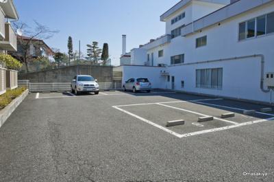 駐車場 2台目はご相談下さい。