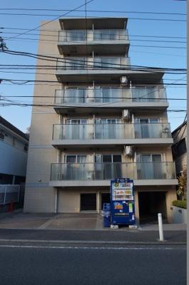 妙蓮寺駅徒歩12分のマンションです。