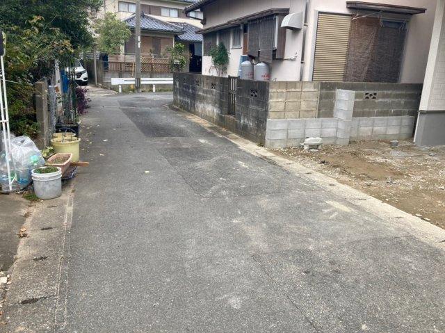 【前面道路含む現地写真】リーブルガーデン糸島市荻浦第六 2号棟 3SLDK