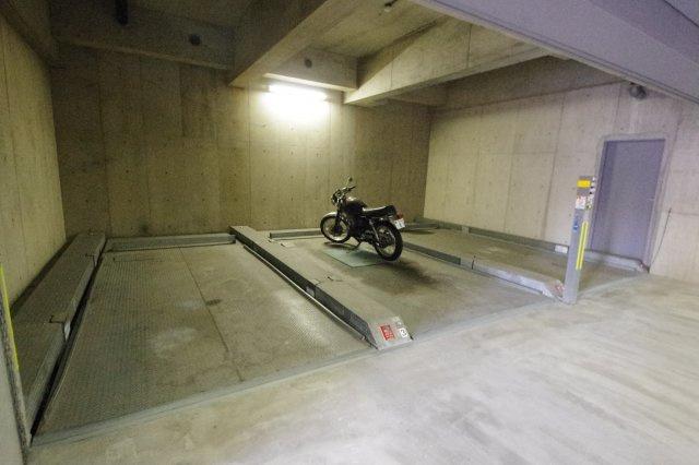 バイク置き場(要空確認)
