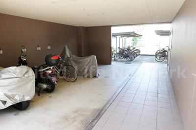 バイク置き場&駐輪場