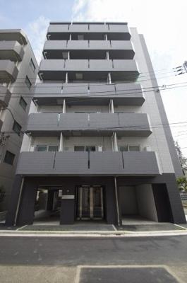 武蔵新田駅徒歩2分の駅近マンションです。