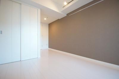 清潔感あふれる床材を使用したフローリング