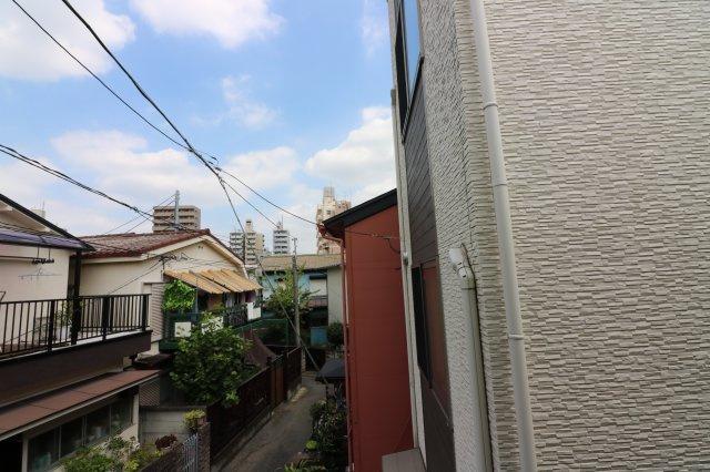 広々としたロフト。収納でも寝室としてもご利用可能です。
