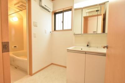 【独立洗面台】北本市東間7丁目 中古一戸建て住宅