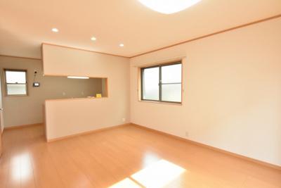 【居間・リビング】北本市東間7丁目 中古一戸建て住宅