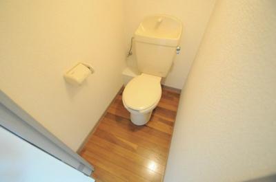 独立した広いトイレ