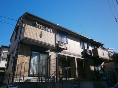 グリーライン高田駅徒歩6分のアパートです。