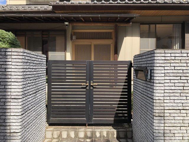 重厚感ある日本の邸宅です。