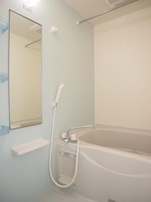 シャワー、浴室乾燥機機能付き
