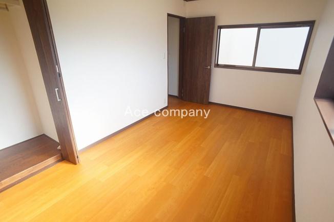 【3階:西側洋室7.5帖】収納完備♪