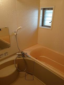給湯追い焚き機能、浴室乾燥機付
