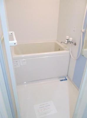 雨の日のお洗濯にも便利な浴室乾燥機能付き(同一仕様)