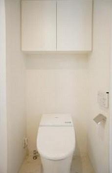温水洗浄便座付きトイレ。