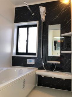 ユニットバス新規交換済 ※浴室暖房乾燥機能付き