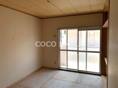 明るい色調の室内です 【COCO SMILE】