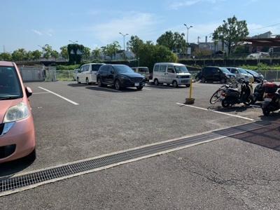 【駐車場】ヤマザキメゾンドファム