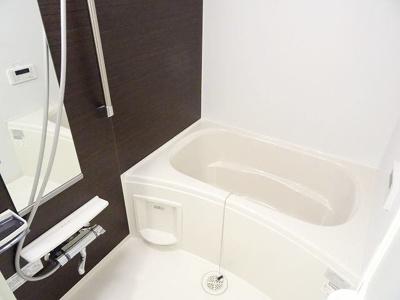 【浴室】イーストブルー六番館