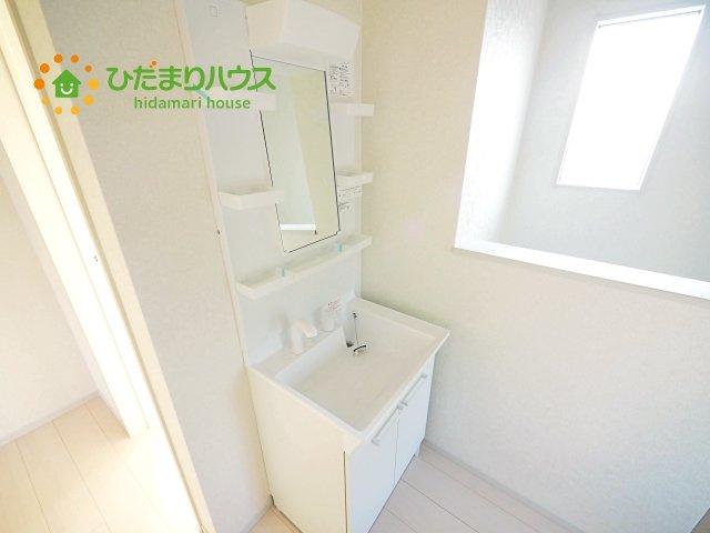 二階にも洗面台があり便利です^^