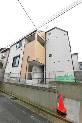 上大岡駅徒歩6分の新築賃貸です