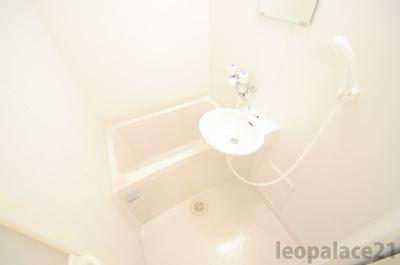 【浴室】レオパレスラ モンターニュ