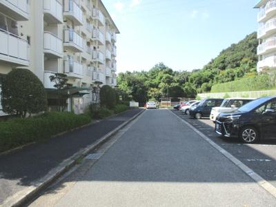 【駐車場】名谷27団地110号棟